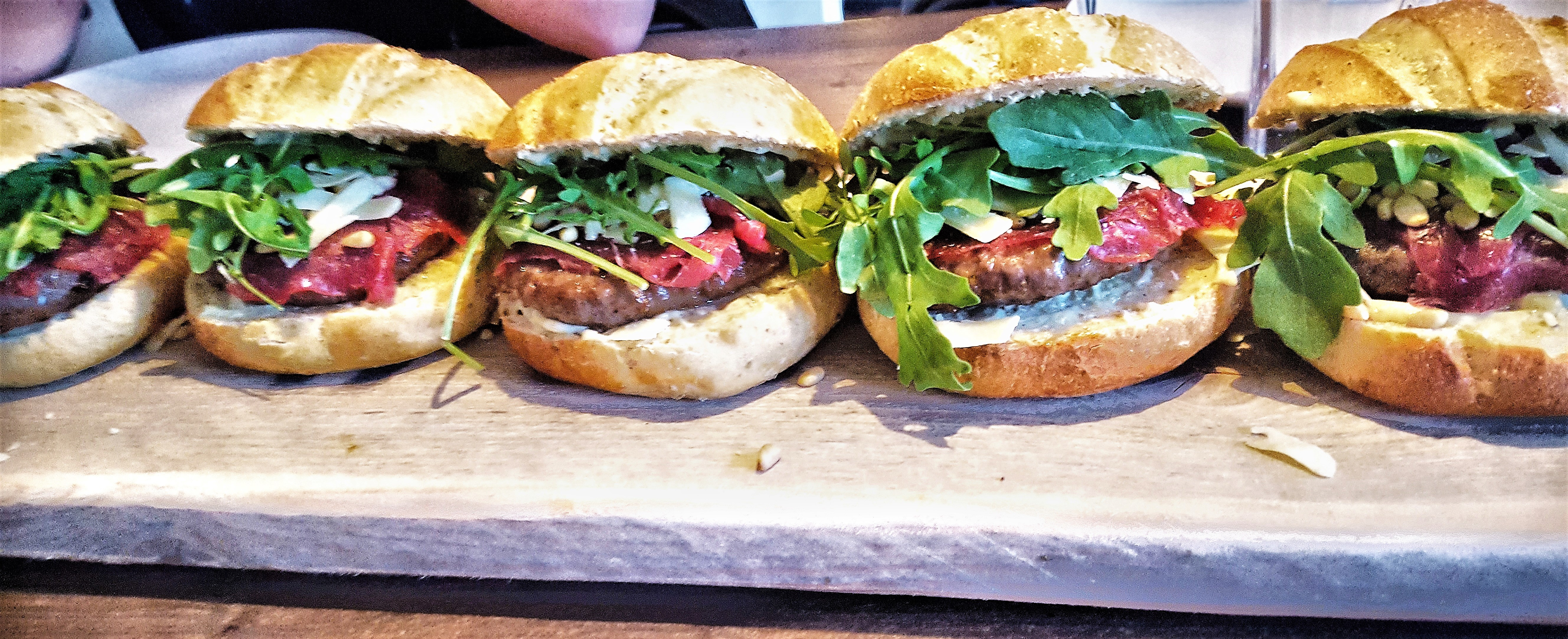 Broodje carpaccio burger
